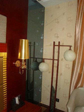 Ailian Villa Holiday Hotel: 气派的灯饰