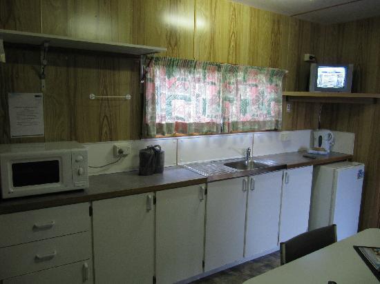 BIG4 Bicheno Cabins: 厨房