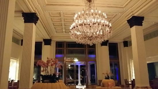 Vanitas: 黄金海岸范思哲酒店大堂