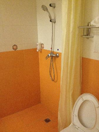 99 Inn Guangzhou Ergong: 浴室