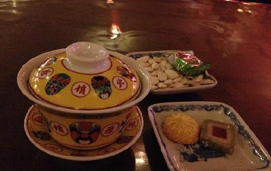 Lao She Teahouse: 3