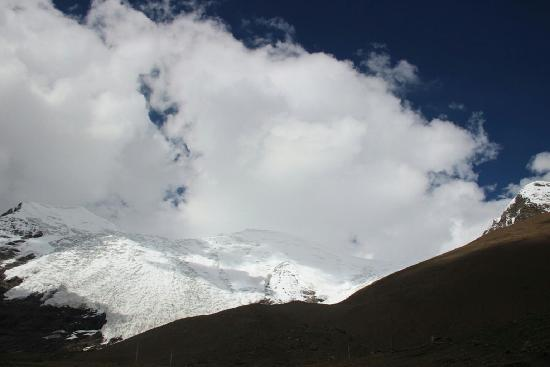 Glacier No.1 at the Headwaters of Urumqi River, Tianshan Mountains: 远观一号冰川