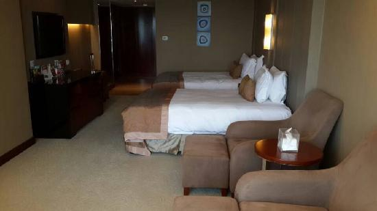 HaiWaiHai Crown Hotel: 房间照片