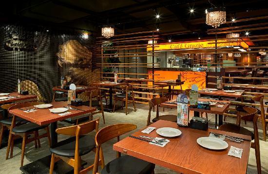Cafe Graize(Yue Hui Plaza): 店内1