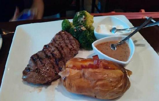 Friday Restaurant (International Building): 3