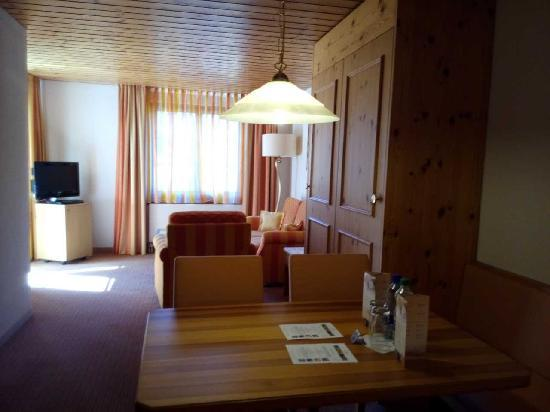 Hostellerie am Schwarzsee: 房间厅的部分