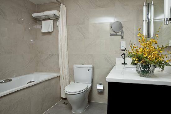 سومرسيت أوليمبيك تاور تيانجين: 豪华两房式公寓-卫生间