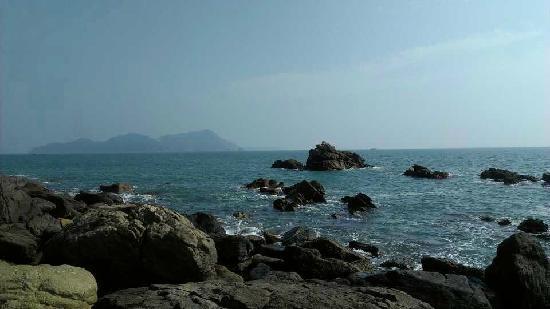 East Island and West Island: 2