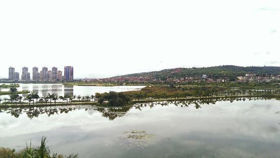 Huquan Hotel: 湖泉酒店