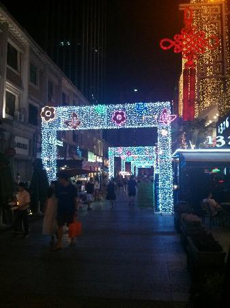 XiaoBaiLou OuShi FengQing Jie: 欧式风情街夜景