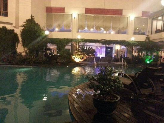 Guilin Bravo Hotel : 宾馆的泳池很漂亮