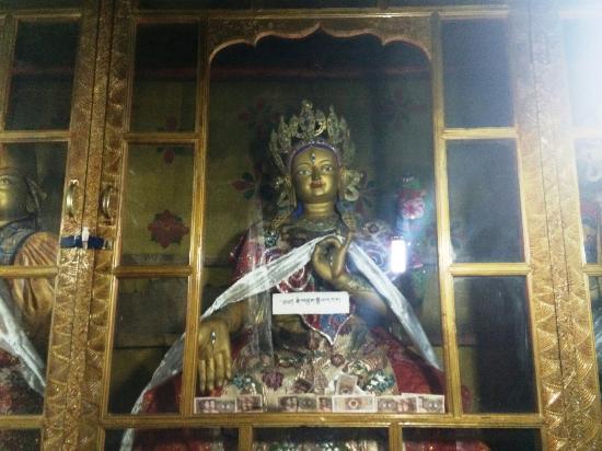 Nagqu County, China: 孝登寺的佛像