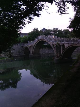 Dao County, Kina: 西洲大桥