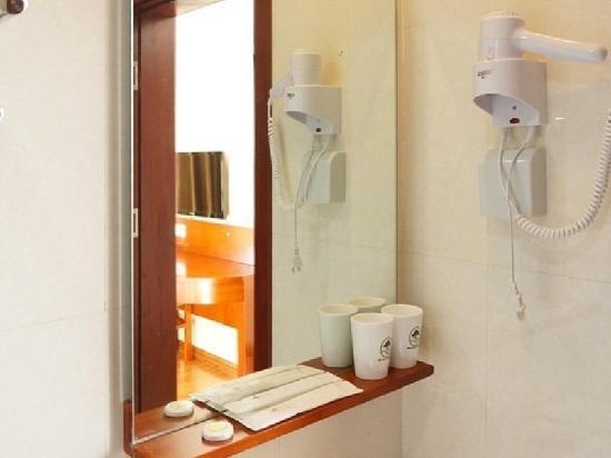 Jiaonan, China: 卫生间
