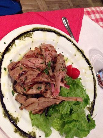 Prego Italian Restaurant: 小牛排