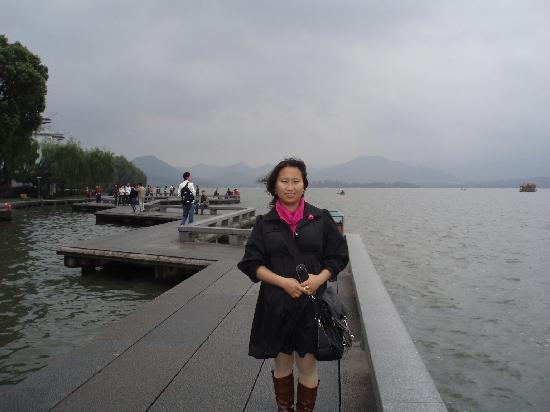 Bai Causeway: 西湖白堤景点