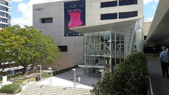 Queensland Museum South Bank: museum