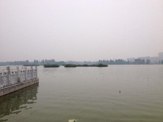 Dongchang Lake: 雾蒙蒙的湖