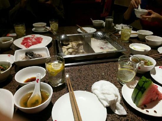Haidilao Hot Pot(Mudanyuan): 海底捞牡丹园店