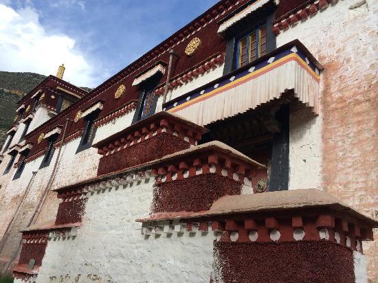 Paxia Monastery: 帕夏寺大殿