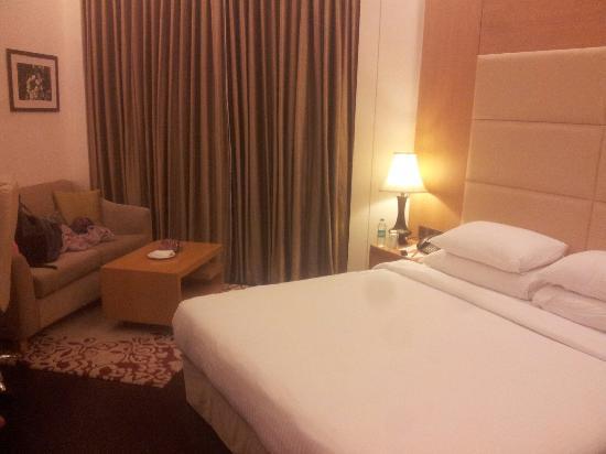 The Umrao: 房间不算大,但king size大床很给力。