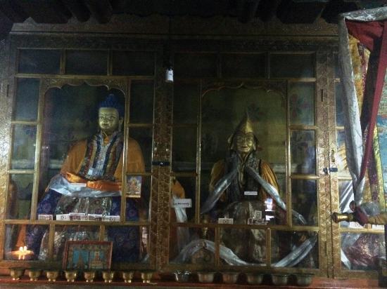 Maizhokunggar County, Κίνα: 寺里的佛像
