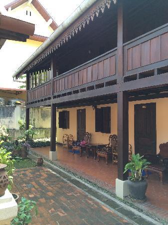 Villa Phathana: porch
