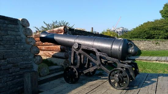 Fort York National Historic Site: y