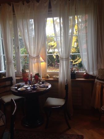 B&B Villa Magnolia: 餐厅窗户