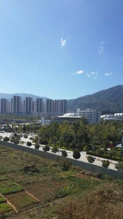 Lincang, Китай: 云晨酒店往外拍