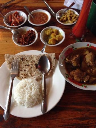 Everest Nepali Food Center : 食物