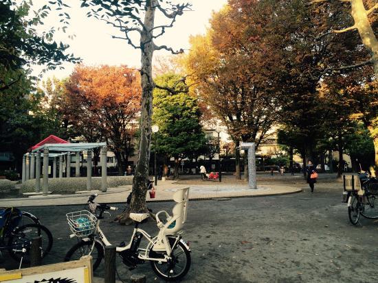 Kagurazaka : 白银公园