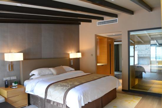 Sanqingshan Artist Village Holiday Hotel