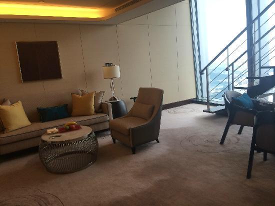 The St. Regis Shenzhen: 复式套客厅