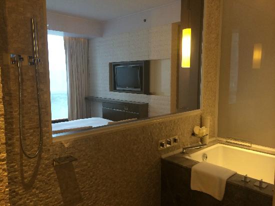 Grand Hyatt Guangzhou: 浴室