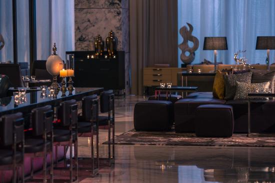 Renaissance Shanghai Caohejing Hotel Lounge