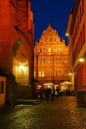 Hotel Zum Ritter : 夜色中的骑士之屋