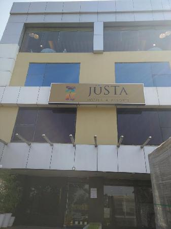 juSTa On Necklace Road, Hyderabad: 外景
