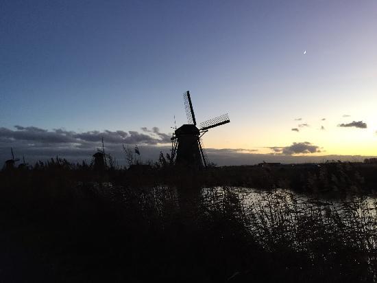 Boottocht Rotterdam - Kinderdijk: 傍晚時分~