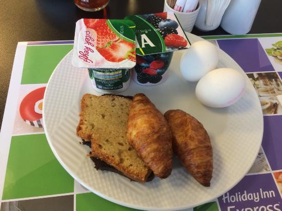Holiday Inn Express Altunizade: 早餐