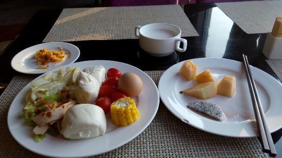 L Hotel: 早餐