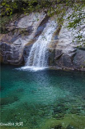 Emerald Valley: 黄山翡翠谷