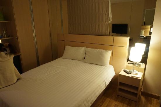 Petals Inn: 房间-超软床