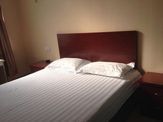 Qi County, China: 大床房,不错哦