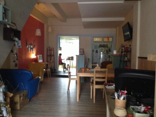 Sleeping Boot Backpackers Hostel: 溫馨的公共休息區