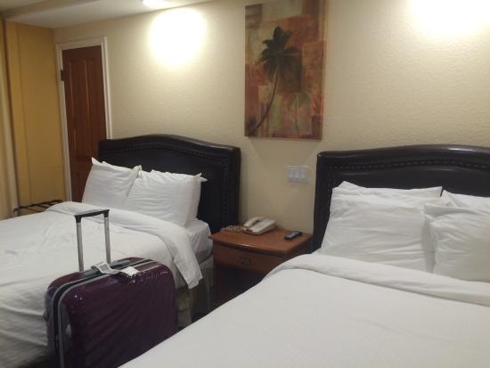 Wilshire Crest Hotel: 房间