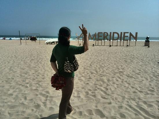 Le Meridien Shimei Bay Beach Resort & Spa: 海滩很美,就是中午大太阳特别晒,大家要做好防晒工作哦,游泳或者海上运动都不错或者坐着喝下午茶