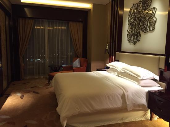 ฉางเต๋อ, จีน: 大床行政客房