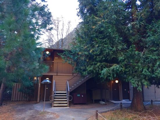 Vernal falls picture of yosemite valley lodge yosemite for Yosemite valley cabins