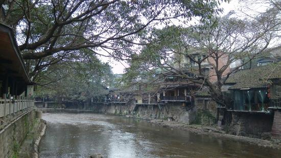 Pianyan Ancient Town: 古樸的老街
